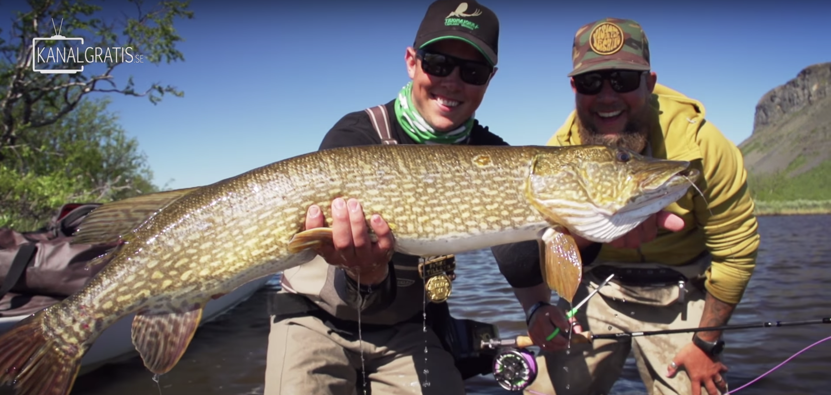 Photo of FLY TV – Topwater Mamas (popper vliegvissen op snoek)